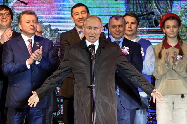 Ông Putin khai trương 2 nhà máy điện mới tại Crimea sau khi Ukraine cắt điện - 5