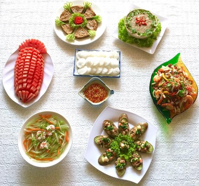 """Mẹ đảm Sài Gòn """"khoe"""" loạt mâm cơm hấp dẫn, đẹp chẳng nỡ ăn - 10"""