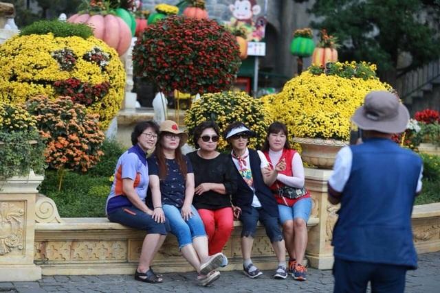 Nếu không cải thiện sản phẩm và dịch vụ, du lịch Việt Nam sẽ khó đạt mục tiêu đề ra - 2