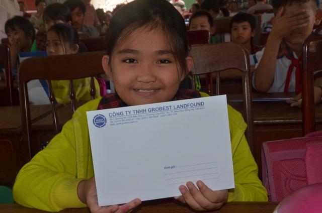 Công ty Grobest Việt Nam trao 250 suất học bổng đến học sinh nghèo tỉnh Quảng Ngãi - 3