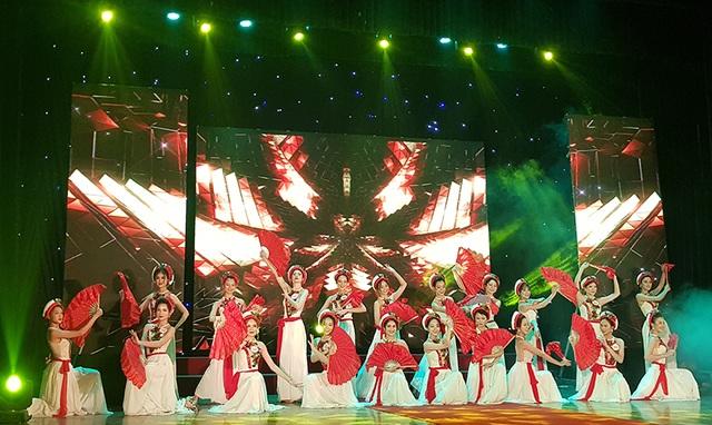 Nữ sinh biên đạo múa đăng quang Hoa khôi ĐH Văn hóa - 5
