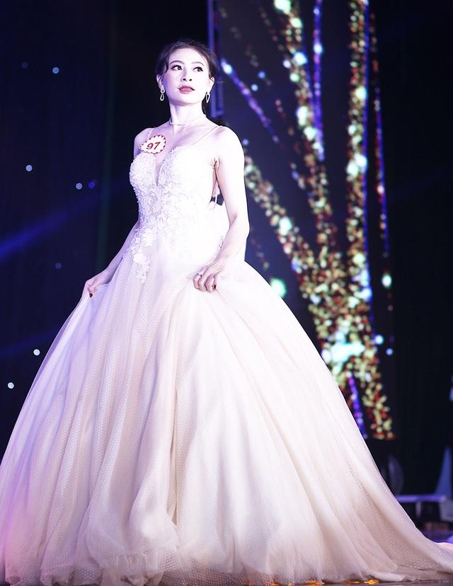 Nữ sinh biên đạo múa đăng quang Hoa khôi ĐH Văn hóa - 8