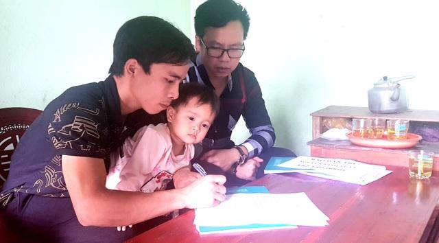 Bạn đọc giúp đỡ 2 hoàn cảnh nhân ái ở xứ Nghệ hơn 240 triệu đồng  - 3
