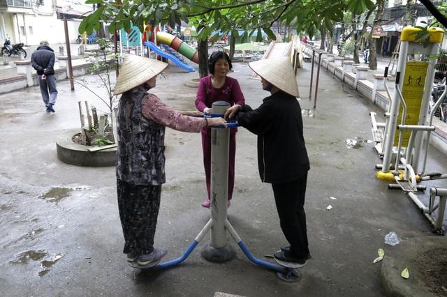 Hàng loạt tranh tường chống bãi rác tự phát bừa bãi ở Hà Nội - 10
