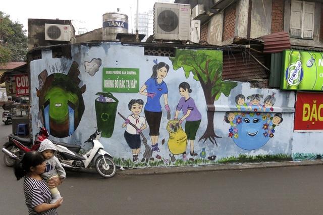 Hàng loạt tranh tường chống bãi rác tự phát bừa bãi ở Hà Nội - 5