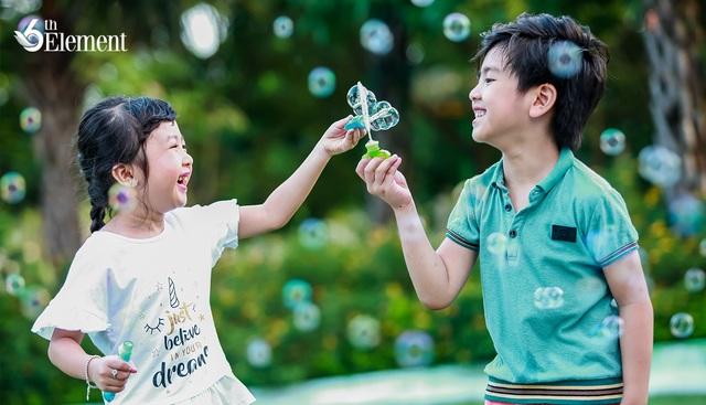 Cần hơn một vòng tay của cha mẹ để bảo vệ con trẻ - 1