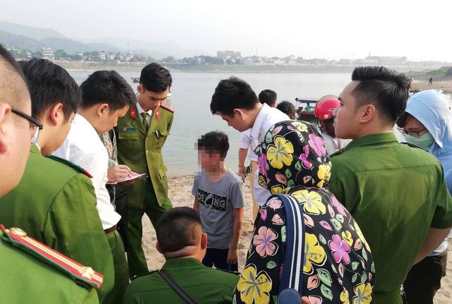 8 học sinh chết đuối trên sông Đà - 3