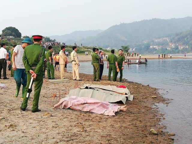 8 học sinh chết đuối trên sông Đà - 1