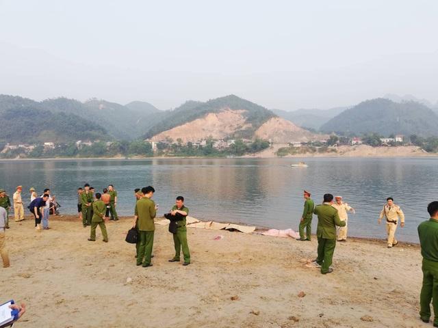 8 học sinh chết đuối trên sông Đà - 4