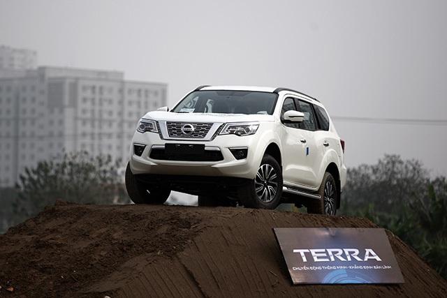 Nissan Terra - Đối thủ đáng gờm ở phân khúc SUV 7 chỗ - 8