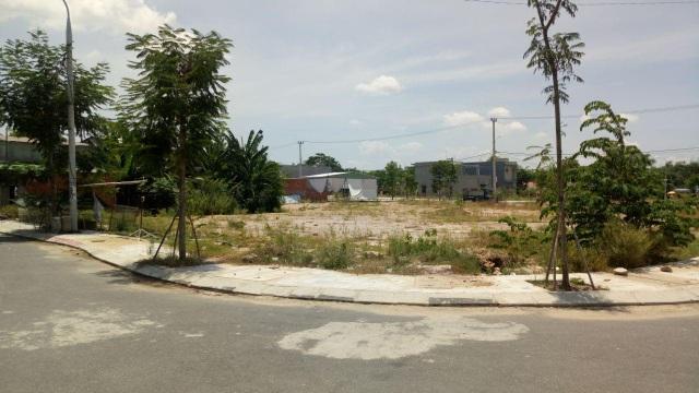 Đại gia ô tô bỏ hoang showroom, ôm tiền đổ về Đà Nẵng buôn đất - 2