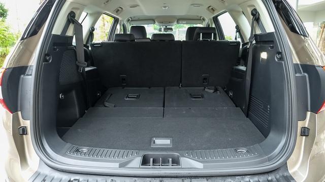 Ford Everest Ambiente - Bạn đồng hành lý tưởng trên mọi nẻo đường - 3