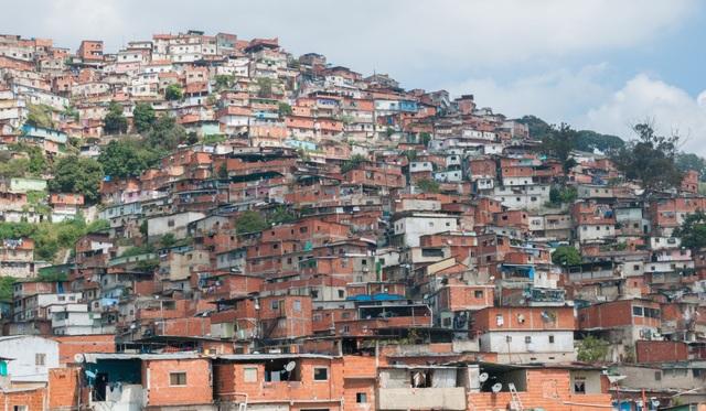 """Cuộc sống """"chạy ăn từng bữa"""" của người Venezuela giữa thời khủng hoảng - 3"""