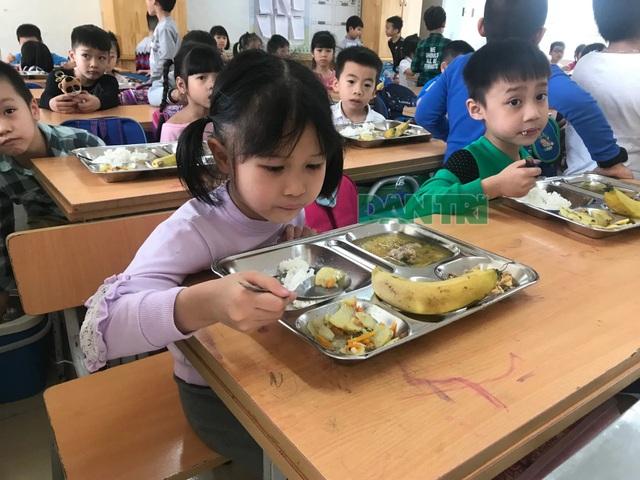Phủ nhận thông tin 35 kg thịt gà đưa vào trường tiểu học Chu Văn An có mùi ôi thiu - 2