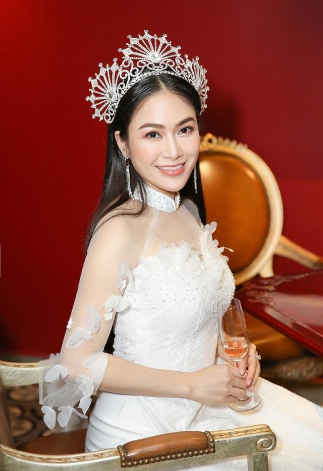 Hoa hậu Tuyết Nga (1).jpg