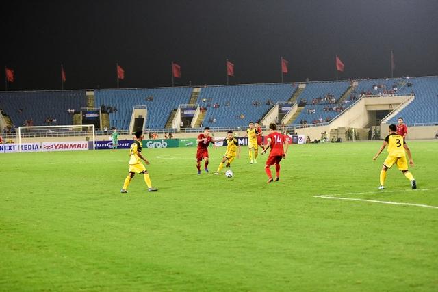 Sân Mỹ Đình vắng khán giả trong ngày U23 Việt Nam thắng U23 Brunei - 8