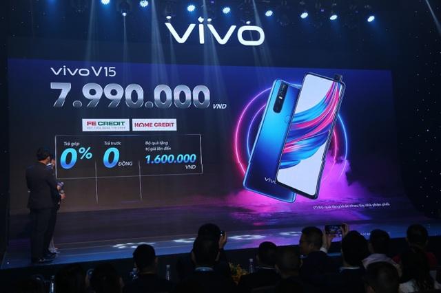 Quang Hải bất ngờ xuất hiện tại sự kiện ra mắt smartphone camera ẩn Vivo V15 - 6