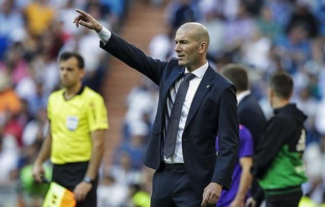 HLV Zidane hạnh phúc kỷ niệm đám cưới bạc cùng bà xã xinh đẹp - 4