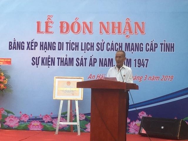 Ông Nguyễn Văn Thọ phát biểu tại lễ đón nhận Bằng xếp hạnh di tích lịch sử cấp tỉnh cho thôn Ấp Nam