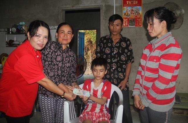 Bạn đọc Dân trí tiếp tục giúp đỡ cụ Nguyễn Lừng hơn 121 triệu đồng - 2