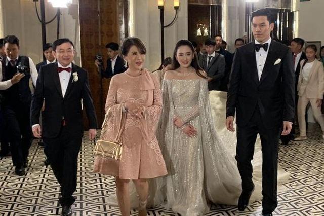 Công chúa Thái Lan đến Hong Kong dự đám cưới xa hoa của con gái Thaksin - 7