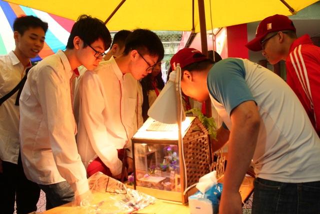 Sản phẩm bật, tắt điện bằng tiếng vỗ tay của học sinh được trường đầu tư trăm triệu đồng - 3