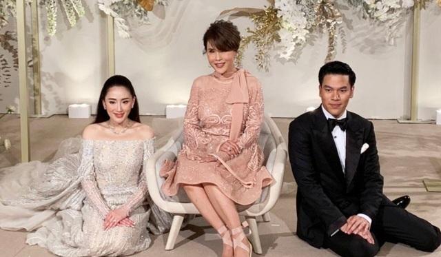 Công chúa Thái Lan đến Hong Kong dự đám cưới xa hoa của con gái Thaksin - 4