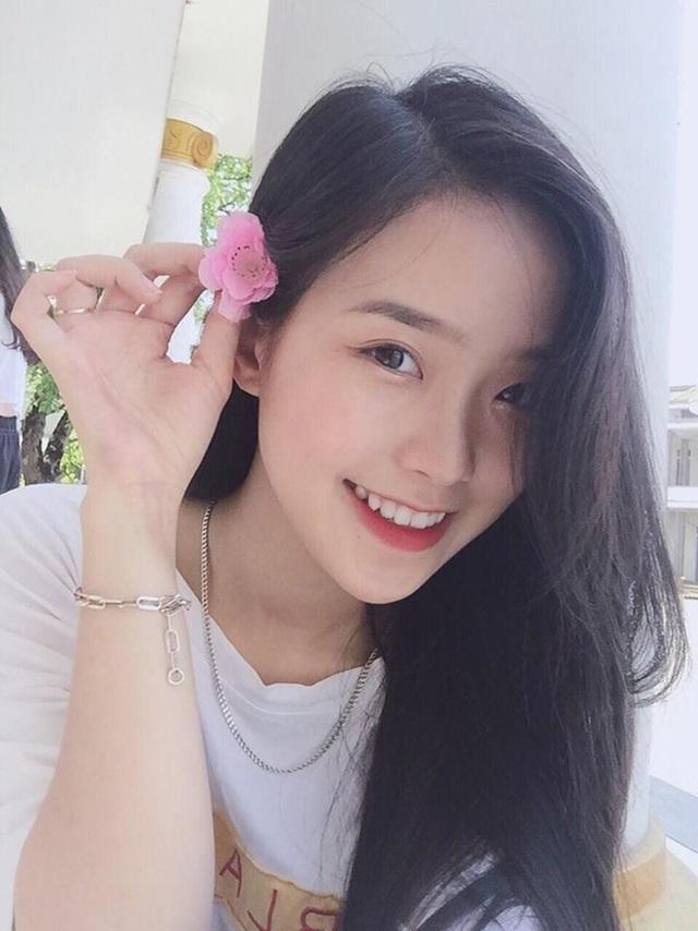 """Hoa khôi 10X Hà Tĩnh: """"Con gái hiện đại nếu chỉ đẹp thì chưa đủ"""" - 1"""