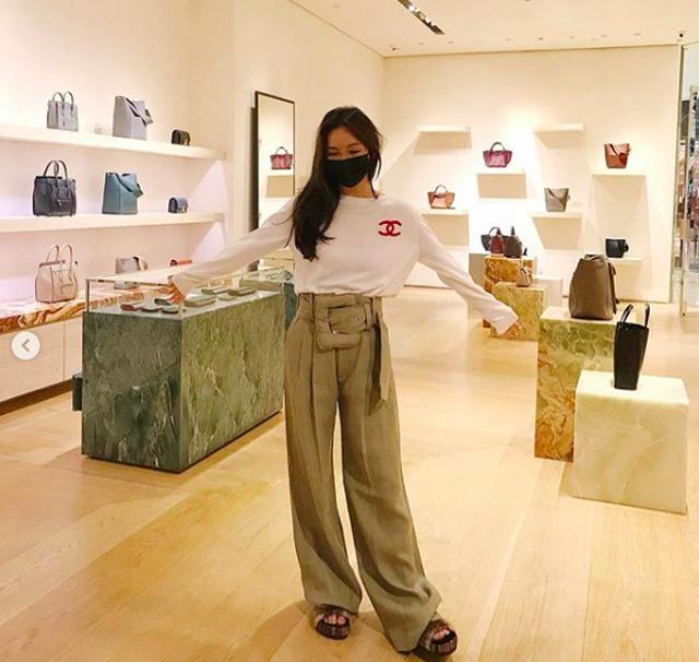Chân dung ái nữ tỉ phú Singapore xinh đẹp, được ví như yêu nữ hàng hiệu - 4