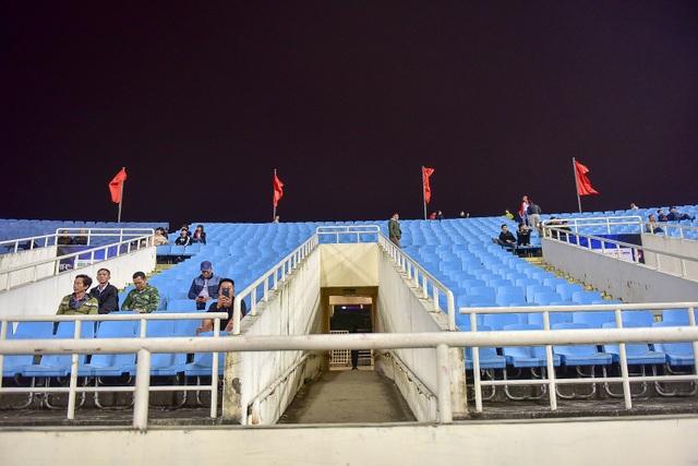 Sân Mỹ Đình còn nhiều ghế trống trong trận quyết định của U23 Việt Nam với Indonesia - 7