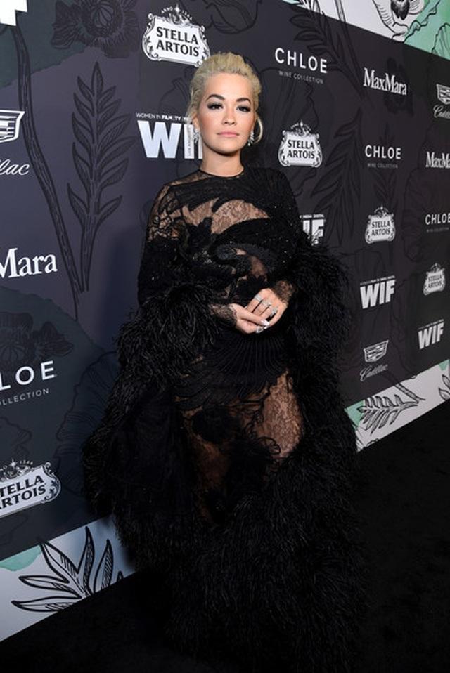 Rita Ora ấn tượng với cây đồ Jeans - 6