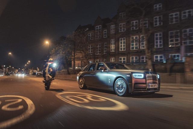 Ngày càng nhiều người mua xe Rolls-Royce để lái, chứ không phải để ngồi sau - 1