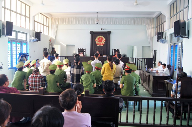 """TAND tỉnh Bình Thuận mở phiên toà xét xử phúc thẩm 13 bị cáo về tội """"gây rối trật tự công cộng"""" xảy ra tại Trụ sở UBND tỉnh Bình Thuận"""