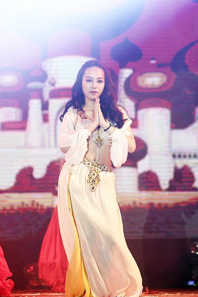 Tiền nhiều để làm gì... vào vũ khúc nóng bỏng của học sinh THPT Phan Đình Phùng - 2