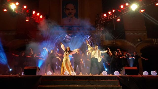 Tiền nhiều để làm gì... vào vũ khúc nóng bỏng của học sinh THPT Phan Đình Phùng - 5