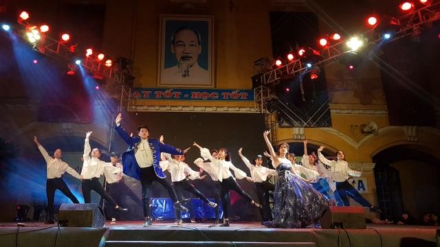 Tiền nhiều để làm gì... vào vũ khúc nóng bỏng của học sinh THPT Phan Đình Phùng - 9