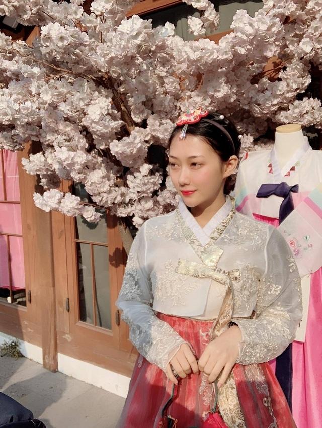 Thiếu nữ Việt được truyền thông Trung Quốc chú ý vì vẻ đẹp tự nhiên - 7