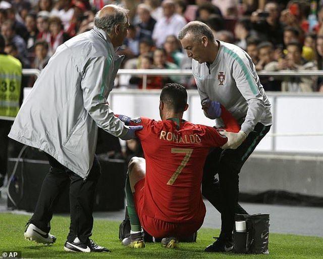Ronaldo dính chấn thương trong trận đấu với Serbia