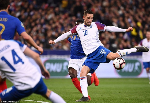 Hàng công thăng hoa, Pháp đại thắng 4 sao trước Iceland - 3