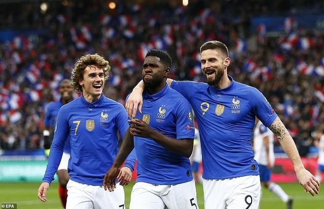 Hàng công thăng hoa, Pháp đại thắng 4 sao trước Iceland - 1
