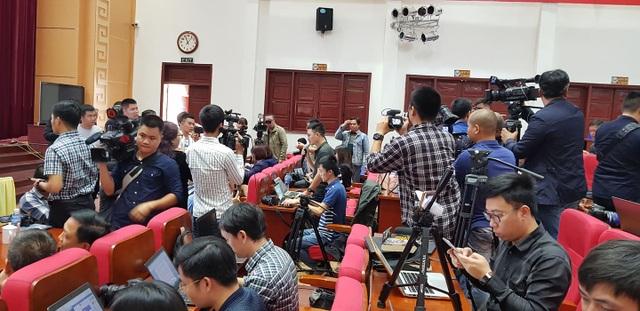 Chủ tịch Uông Bí phủ nhận thông tin nhiều quan chức đầu tư chùa Ba Vàng - 1