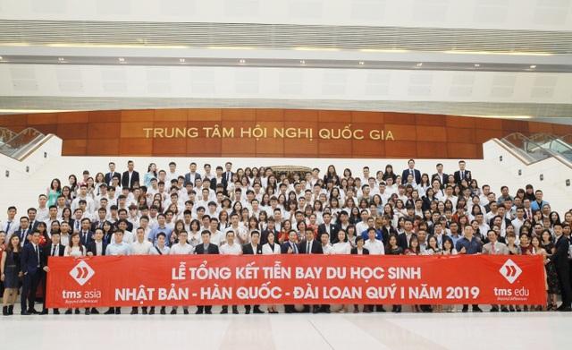 Hàng ngàn người đổ về Ngày hội học bổng Châu Á và tổng kết chia tay quý I năm 2019 do TMS Asia tổ chức - 1