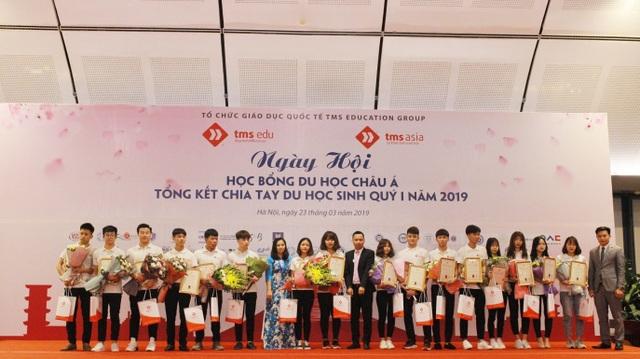 Hàng ngàn người đổ về Ngày hội học bổng Châu Á và tổng kết chia tay quý I năm 2019 do TMS Asia tổ chức - 7