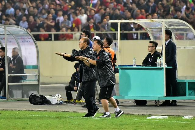 Những cảm xúc đặc biệt của HLV Park Hang Seo trong trận thắng đậm U23 Thái Lan - 7