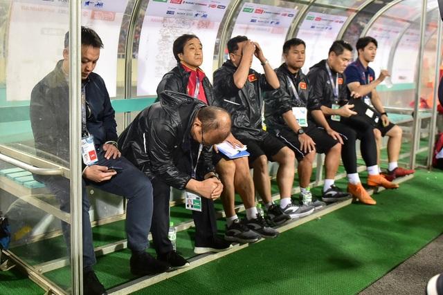 Những cảm xúc đặc biệt của HLV Park Hang Seo trong trận thắng đậm U23 Thái Lan - 2