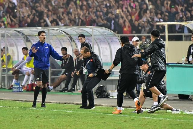 Những cảm xúc đặc biệt của HLV Park Hang Seo trong trận thắng đậm U23 Thái Lan - 10