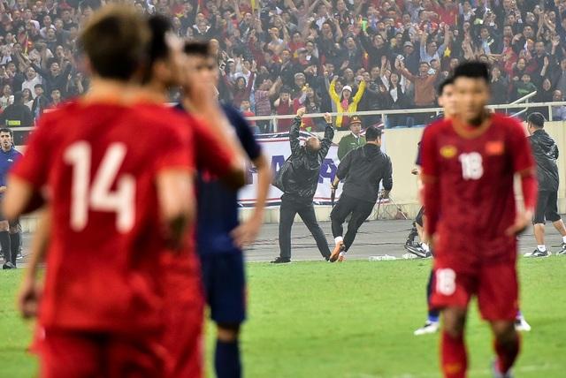 Những cảm xúc đặc biệt của HLV Park Hang Seo trong trận thắng đậm U23 Thái Lan - 12