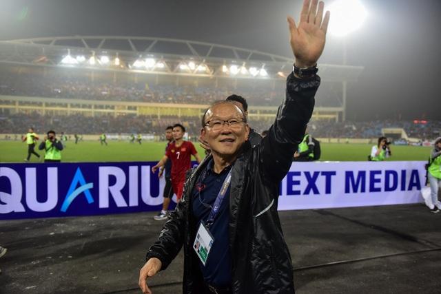 Những cảm xúc đặc biệt của HLV Park Hang Seo trong trận thắng đậm U23 Thái Lan - 14