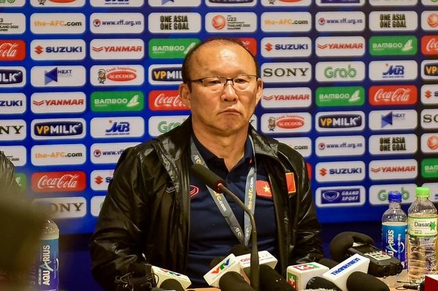 Những cảm xúc đặc biệt của HLV Park Hang Seo trong trận thắng đậm U23 Thái Lan - 15
