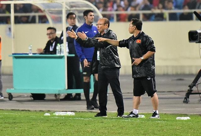 Những cảm xúc đặc biệt của HLV Park Hang Seo trong trận thắng đậm U23 Thái Lan - 3